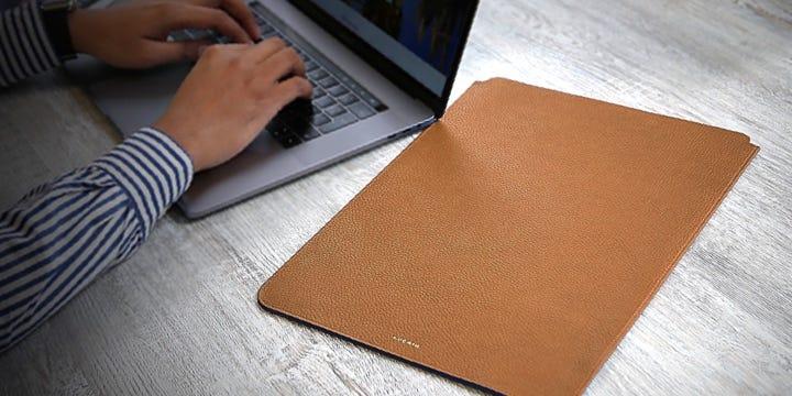 """Чехол для MacBook Pro 16"""" - Коньяк - Зернистая кожа"""